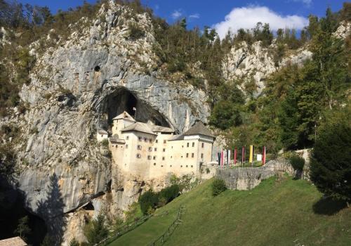 Podstojna cave